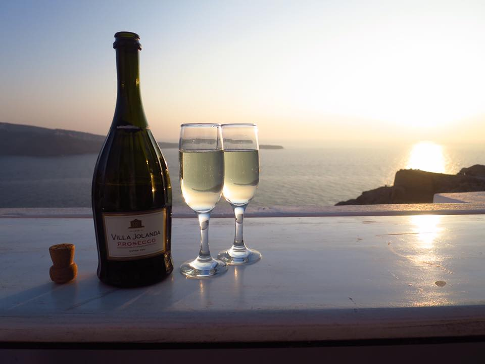 【ヨーロッパの旅の話】ーVol.87  Sunset in Santorini ー